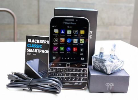 BlackBerry Classic có giá chính hãng 10,5 triệu đồng