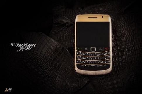 BlackBerry đính 1.101 viên kim cương, da cá sấu gần 1 tỷ đồng