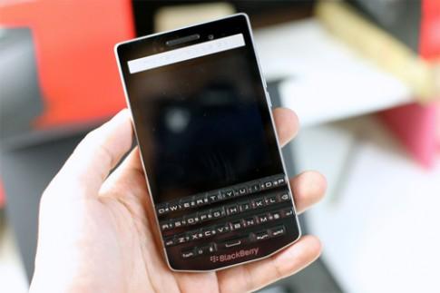 BlackBerry P'9983 có giá chính hãng 50 triệu đồng