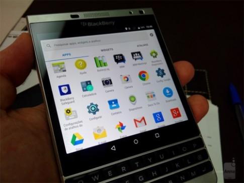 BlackBerry Passport vỏ kim loại lộ video chạy Android