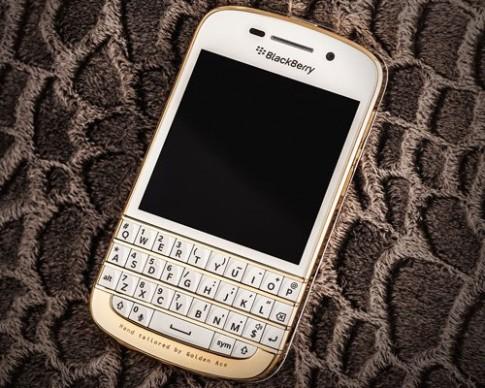BlackBerry Q10 mạ vàng xuất hiện ở Việt Nam