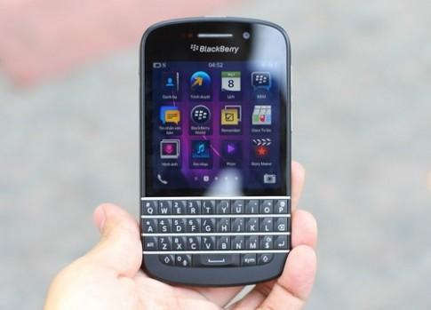 BlackBerry Q10 về VN với giá hơn 20 triệu đồng