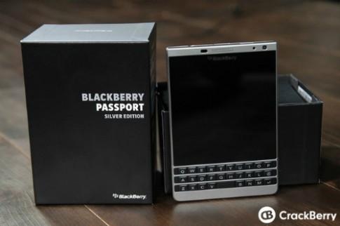 BlackBerry ra Passport phiên bản vỏ kim loại