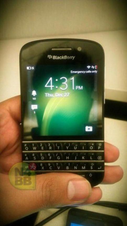 BlackBerry X10 bàn phím QWERTY lộ thêm ảnh thực tế