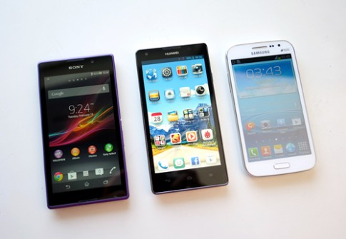 Bộ ba smartphone tầm trung màn hình lớn, hai sim đọ dáng