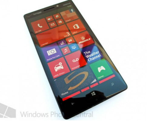 Bộ đôi Nokia Lumia 929 và 525 lộ ảnh thực tế
