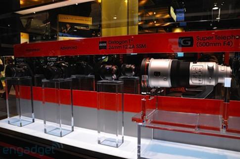 Bộ đôi ống kính cao cấp mới của Sony