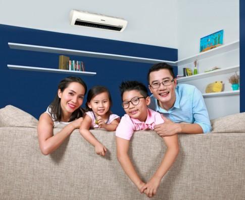 Ca sĩ Hoàng Bách: Chăm sóc gia đình là cách phụ nữ thể hiện tình yêu