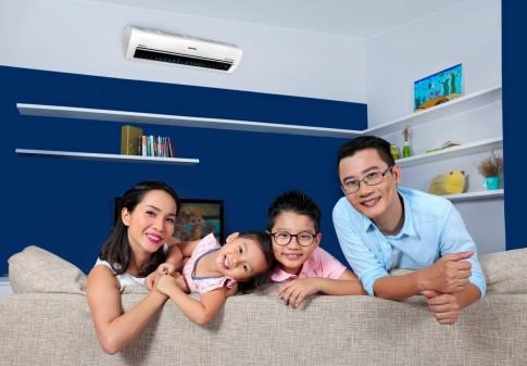 Ca sỹ Hoàng Bách: giữ lửa gia đình theo cách đàn ông