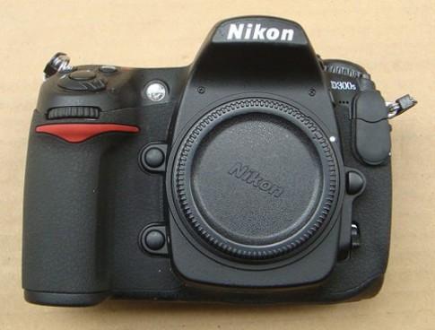 Cận cảnh Nikon D300s