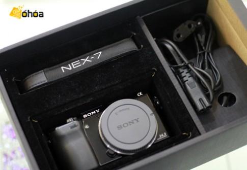 Cận cảnh Sony NEX-7 tại VN