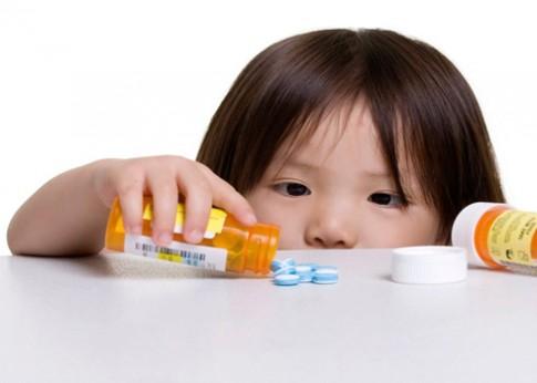Cẩn trọng khi dùng thuốc chữa biếng ăn cho trẻ