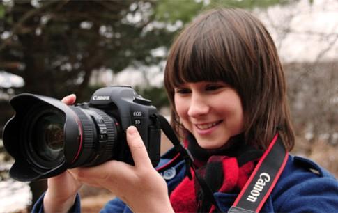 Canon 5D Mark II có thể giảm giá từ ngày 4/3