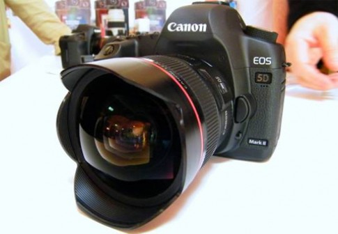 Canon 5D Mark II nang cap firmware 2.2.1
