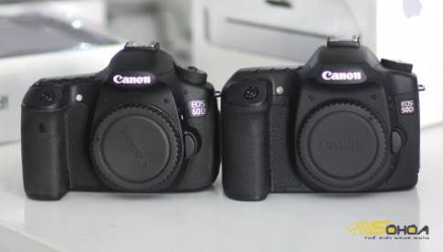 Canon 60D so dáng với 'đàn anh' 50D