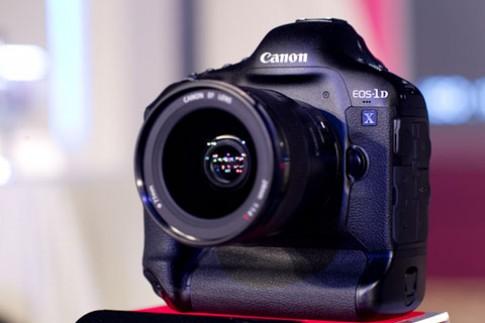 Canon EOS-1D X bất ngờ đến VN
