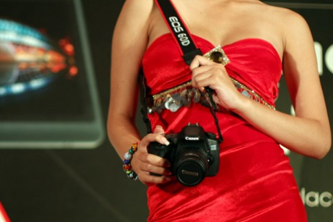 Canon EOS 60D ra mắt tại VN