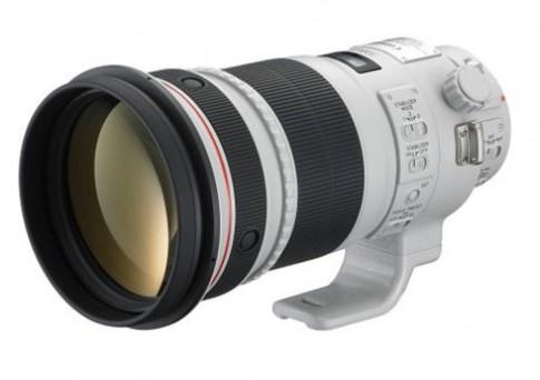 Canon hoãn ra mắt 3 ống kính mới vì động đất