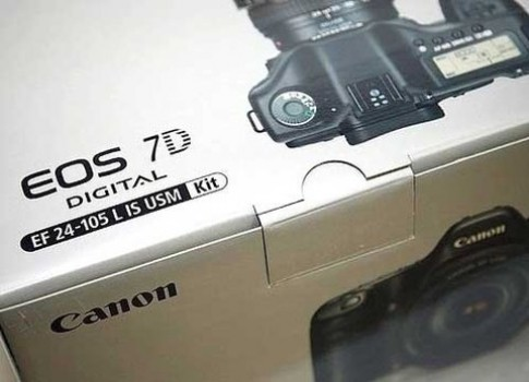 Canon ra firmware mới cho 7D