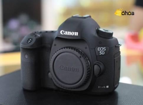 Canon thừa nhận lỗi hở sáng trên 5D Mark III