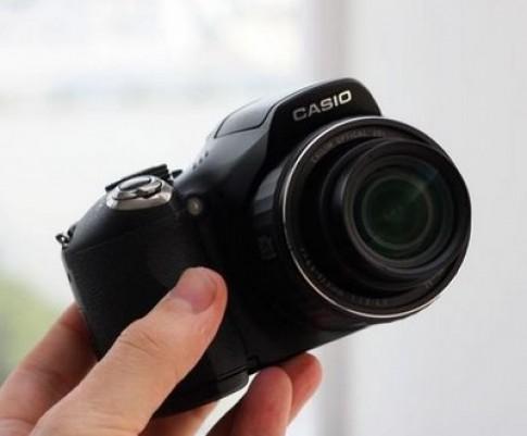 Casio EX-FH20 chụp 40 hình/giây