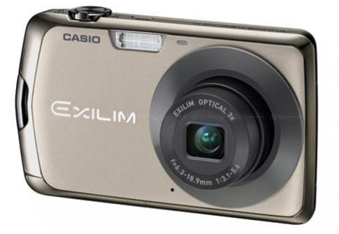 Casio ra EX-S7 và EX-Z35