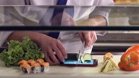 Cắt rau quả trên màn hình ZenFone 2 Laser