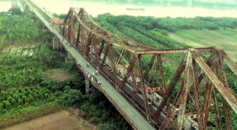 Cầu Long Biên ấn tượng qua ống kính Revo LEAD