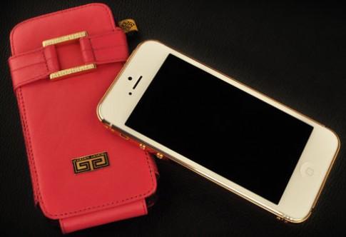 Chế 'áo giáp' vàng cho iPhone 5