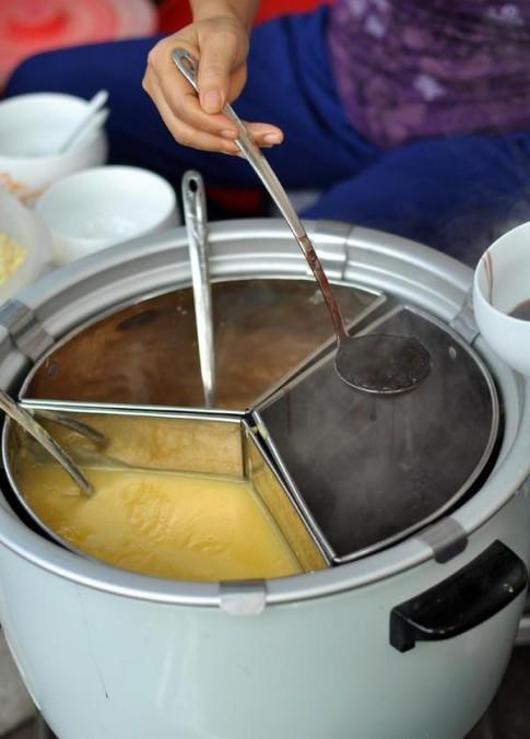 Chè nóng sưởi ấm Hà Nội ngày giá lạnh tê tái