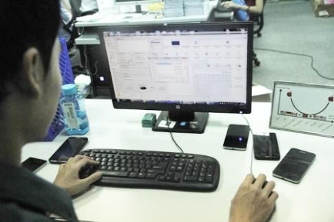 Chế tác bản ROM cho smartphone thương hiệu Việt