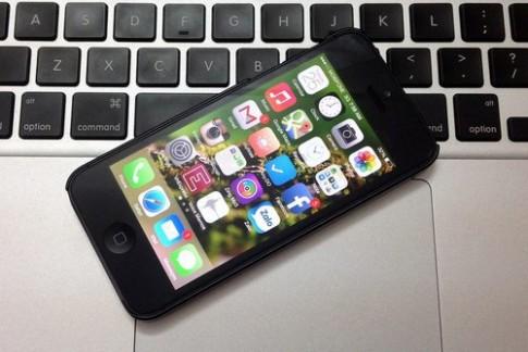 Chỉ iPhone 5 và iPod Touch có đủ tính năng mới của iOS 7