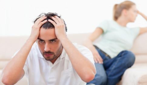 Chồng ghen tuông tự chọn vải may đồ cho vợ vì sợ mỏng