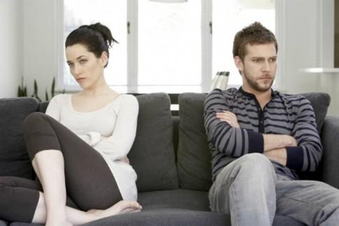 Chồng yêu bản thân, không chịu chi một xu cho nhà vợ