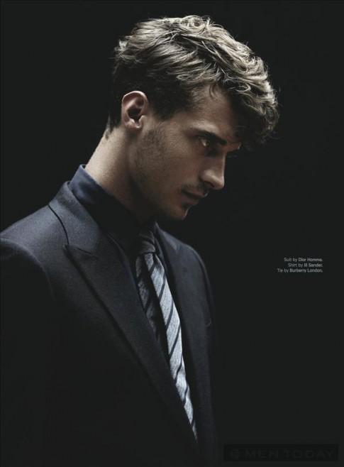 Clément Chabernaud trẻ trung và lịch lãm với suit trên tạp chí Details