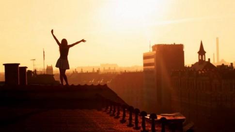 Cuộc sống này quá ngắn để hàn gắn những thứ đã vỡ!
