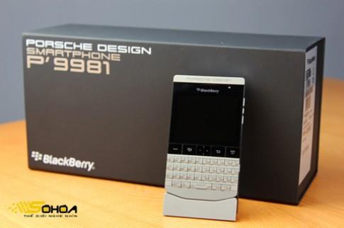 Đập hộp BlackBerry 'siêu xe' vừa về VN