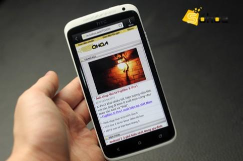 'Đập hộp' HTC One X đầu tiên về VN
