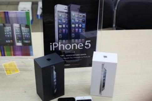 'Đập hộp' iPhone 5 tại Việt Nam