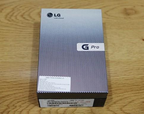 'Đập hộp' LG Optimus G Pro chính hãng tại Việt Nam