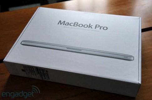 'Đập hộp' MacBook Pro 2011