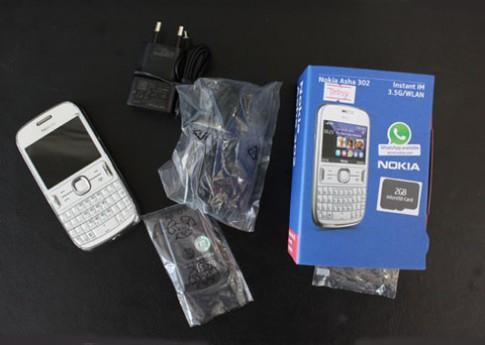 'Đập hộp' Nokia Asha 302 chính hãng
