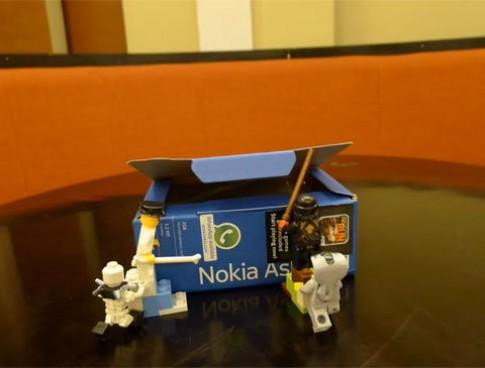 'Đập hộp' Nokia Asha 311 theo phong cách Lego tại VN