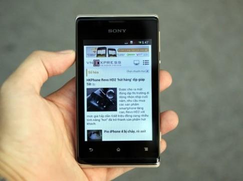 Đập hộp smartphone 2 sim giá rẻ của Sony
