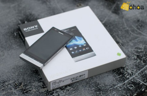 'Đập hộp' Sony Xperia P chính hãng 12 triệu