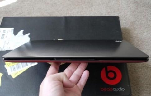 'Đập hộp' ultrabook HP dùng âm thanh hàng hiệu