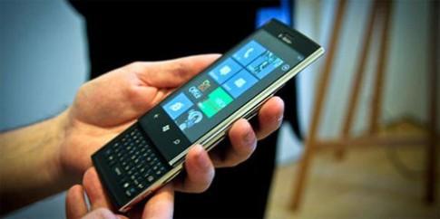 Dell hoãn ra mắt điện thoại Windows Phone Mango