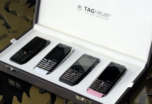 Điện thoại 2 sim giá trăm triệu đồng ra mắt VN