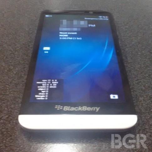 Điện thoại BlackBerry màn hình 5 inch lần đầu xuất hiện