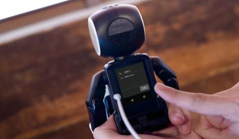 Điện thoại hình người RoboHon